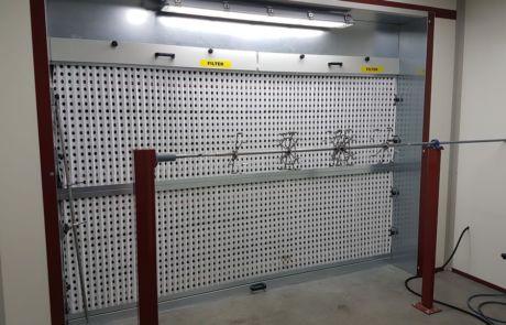 Sistema di verniciatura semi automatico Beam (Italia) - Progetti Ardesia
